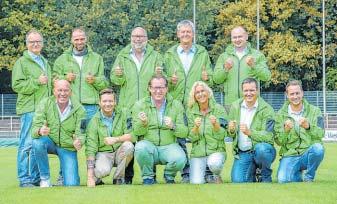 Die Agenturen der LVM sind für drei Jahre Namenssponsor des Kunstrasenplatzes des VfB Fichte. FOTO: NW